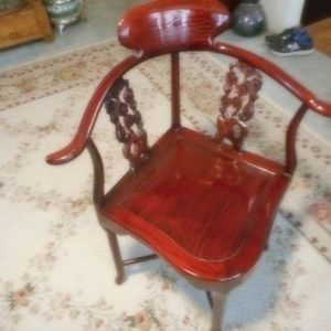 ANTIQUE HAND-CARVED CORNER CHAIR for Sale in Ceres, CA