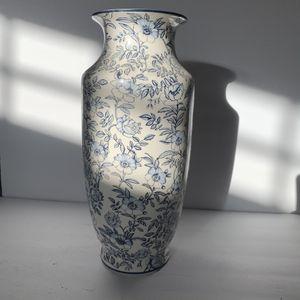 Ceramic Vase for Sale in Las Vegas, NV
