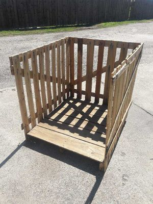 Free crate for Sale in Irving, TX