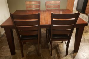 Dining Room Table and Chairs for Sale in Yoder, IN