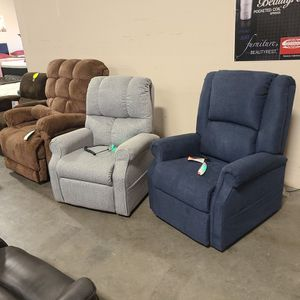 Lift CHAIRS STARTING QT $595 for Sale in Chico, CA