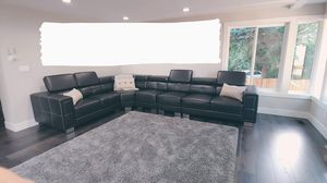 Black sectional couch for Sale in Renton, WA