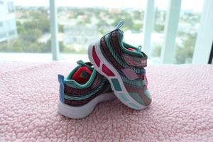 Baby girl shoes size 5 ( lights) for Sale in Miami, FL