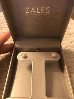 2 Carat Diamond Stud Earrings for Sale in La Vergne,  TN
