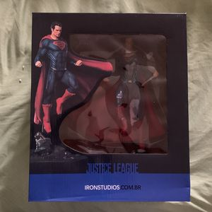 Iron Studio Superman Statue for Sale in Raeford, NC