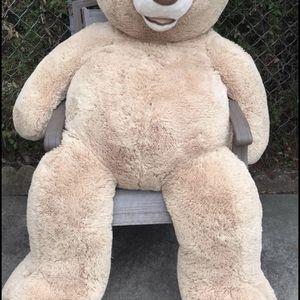 Big teddy bear for Sale in Dearborn, MI