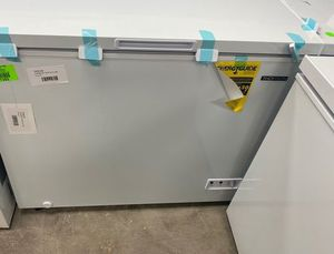 Thomson TFRF710 chest freezer 🔥🔥🔥 21JC for Sale in Ontario, CA