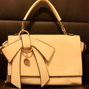 Elegant White Ribbon Handbag for Sale in Chicago, IL