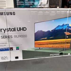 """82"""" Samsung Crystal Uhd Hdr 240mr Smart Tvs 9 Series for Sale in Temple City, CA"""