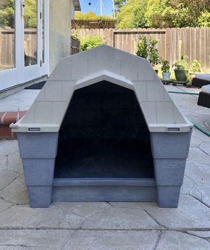 Ruff Hauz dog house by Dogloo for Sale in San Ramon, CA