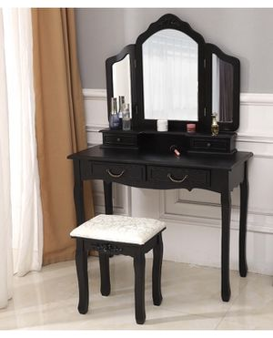 Vanity with Dimmable lights attatched for Sale in Eau Claire, WI