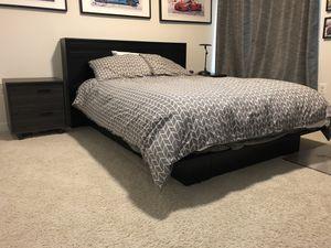 Queen platform bed for Sale in Leesburg, VA