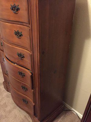 Oakwood 6 drawer dresser for Sale in Dallas, TX