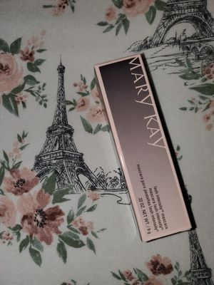 Mary Kay lash intensity mascara for Sale in Puyallup, WA