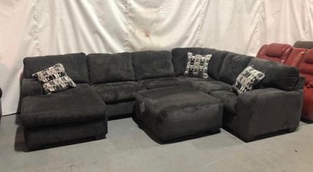 Brand New Gray Ushape Sectional! Just came in! for Sale in Maryland Heights,  MO