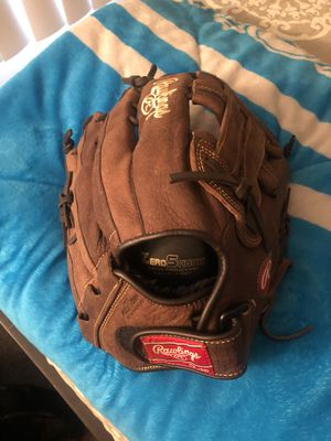Rawlings SoftBall/Baseball Glove for Sale in Fontana, CA