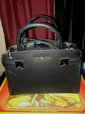 Black Michael Kors purse *new* for Sale in Las Vegas, NV