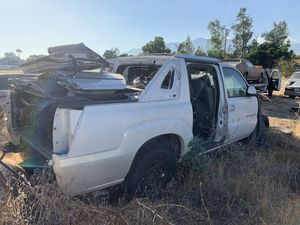 2002 Escalade ext parts truck for sale and it still has lots of good parts(must sale this weekend) for Sale in San Bernardino, CA