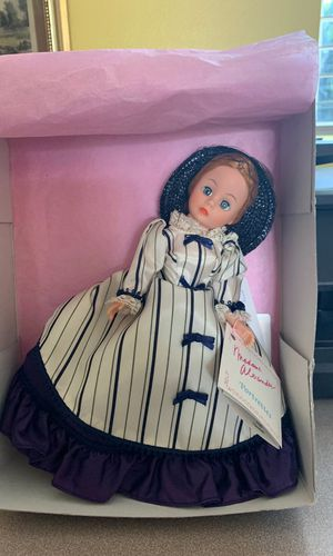 Mint in box Madame Alexander doll Nicole 1129 for Sale in Maple Valley, WA
