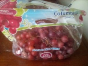 red sweet grapes for Sale in Pico Rivera, CA