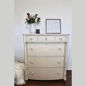 Vintage Shabby Chic Distressed Chest Of Drawers for Sale in Tacoma, WA