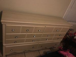 Dresser for Sale in Huntington Park, CA