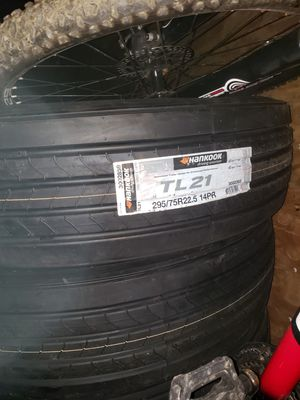 Hankook tires 295/75R22.5 trailers for Sale in Renton, WA