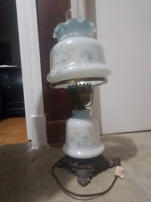 Antique/vintage gone with the wind lamp for Sale in Alton, VA