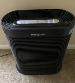 Honeywell HPA300 True HEPA Air Purifier - Must bê picked up by August 18 for Sale in Orlando,  FL
