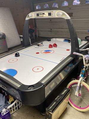 Air hockey table for Sale in Riverside, CA