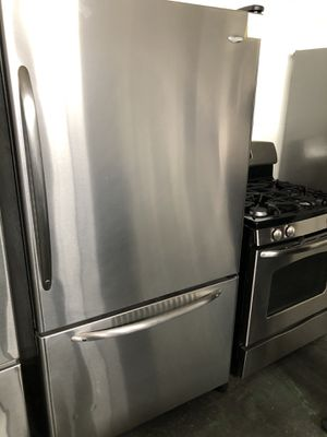Amana bottom freezer for Sale in San Leandro, CA