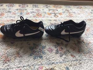 Girls soccer cleats guc NIKE for Sale in Wenatchee, WA