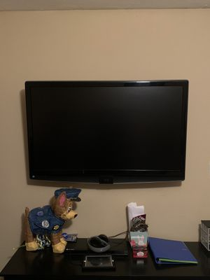 JVC 42-inch LCD HDTV with TeleDock iPod Dock for Sale in Lake Charles, LA