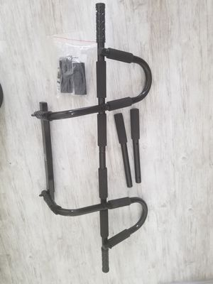 Door frame pull up bar adjustable for Sale in Las Vegas, NV