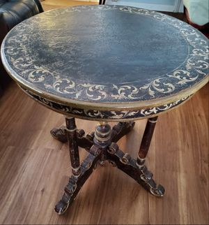 Antique Hand Painted Round Table for Sale in Bellflower, CA