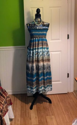 She's Cool Size Medium To Large for Sale in Avon, NY