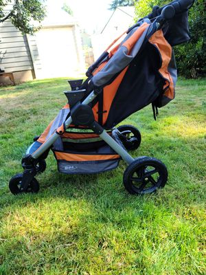 2014 BOB Stroller, Britax Infant Carrier (w/adapters), and Carseat Base for Sale in Seattle, WA