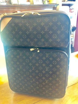 Louis Vuitton carry bag for Sale in Irvine, CA