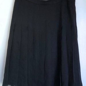 New Burberry Silk Black Skirt 42 for Sale in Seattle, WA