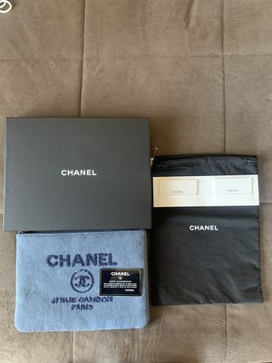 Chanel Clutch bag for Sale in Rolling Hills, CA