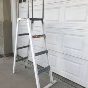 Heavy Duty Ladder For Pool for Sale in Fontana, CA