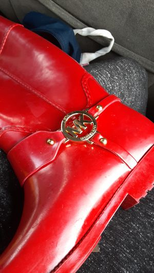 Michael kors rain boots size 7 for Sale in San Antonio, TX