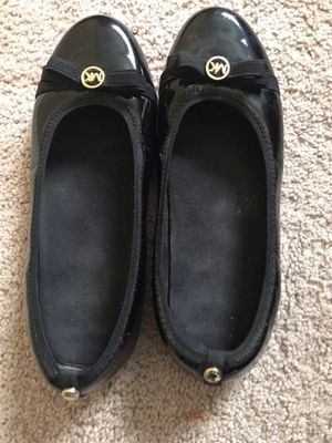 Michael Kors Rover Lux Girl Shoes (Size 5Big) for Sale in Chicago, IL