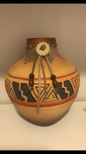 Native American vase 🏺 for Sale in Moreno Valley, CA