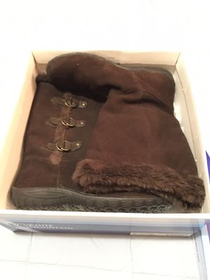 NWT winter boots for Sale in Springfield, IL