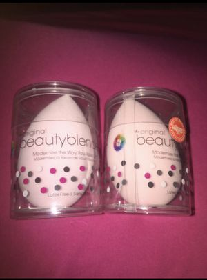 Beauty Blender Pro Makeup Sponge (2) for Sale in Valley View, OH