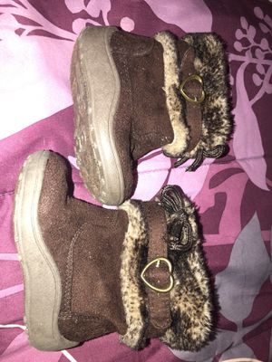 Brown toddler girl boots size 4c for Sale in Chester, VA