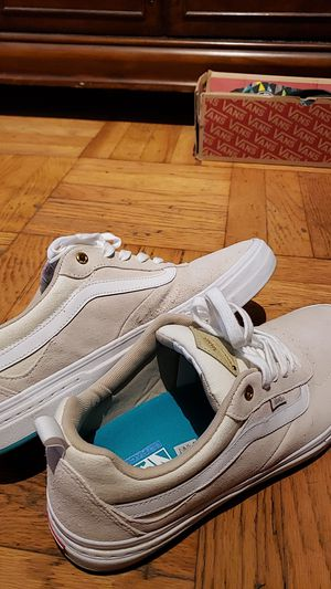 Size 13 Van's shoes for Sale in Whittier, CA