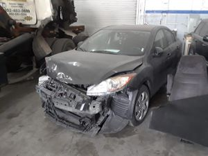 Mazda 3 for parts out 2010 for Sale in Miami, FL