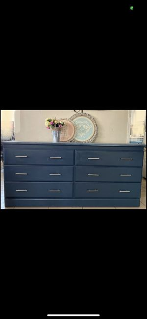 Dresser for Sale in Arvin, CA